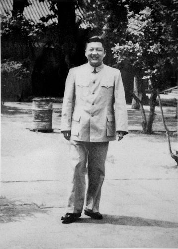 纪念习仲勋同志逝世18周年 习仲勋:广东改革开放的主要开创者和重要奠基人