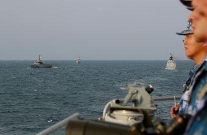 中国和新加坡海军海上联合演习圆满结束